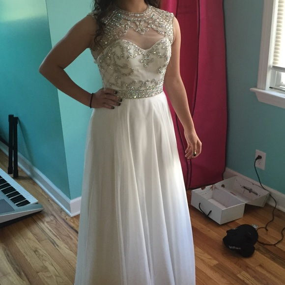 White Beading Long A-line Prom Dresses,Chiffon Prom Dress,Pretty Prom Gowns,Elegant Evening Dresses